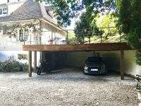 Un carport qui se transforme en terrasse, un projet de jardin intégré