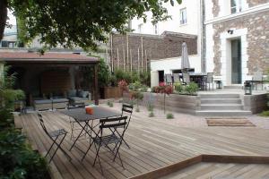 Rythmer, en créant différents espace de vie. Terrasse bois à Meudon 92