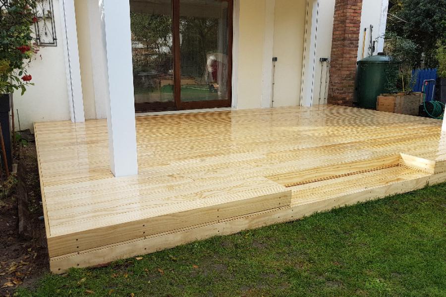 Terrasse bois et pergola bioclimatique 92